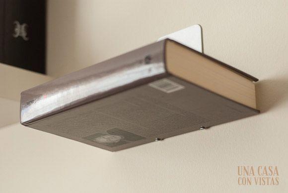 Detalle estantería invisible para libros