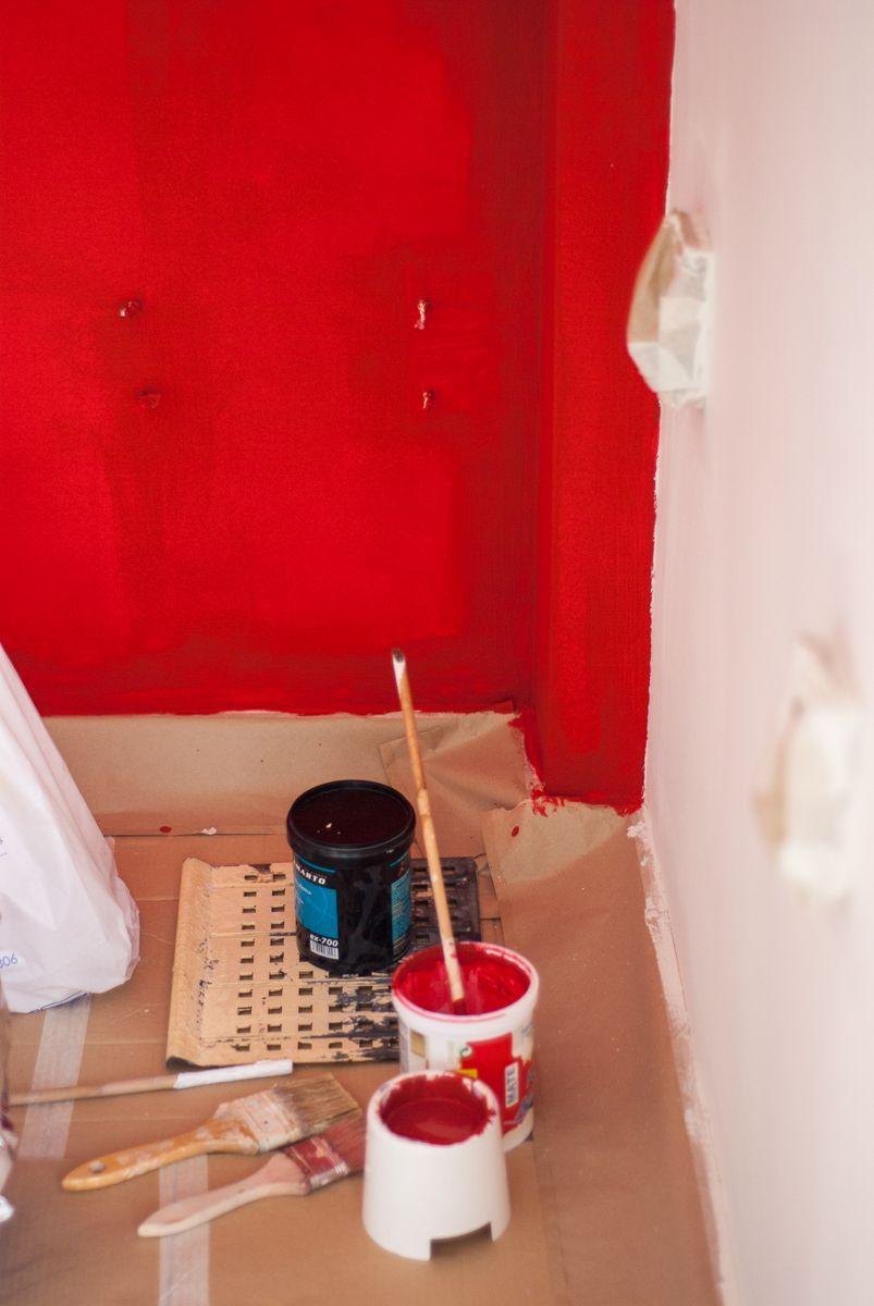 Pintando la pared roja