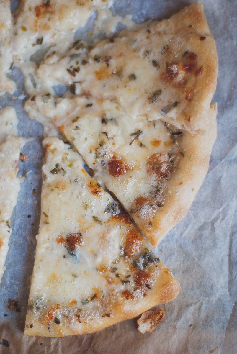 Pizza cuatro quesos casera