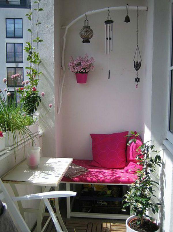 Pequeña terraza bien decorada