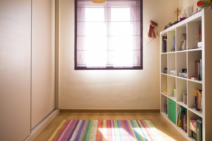 Habitación antes de instalar estantería personalizada