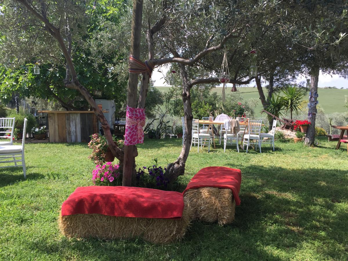 Decoración boda en el campo con alpacas