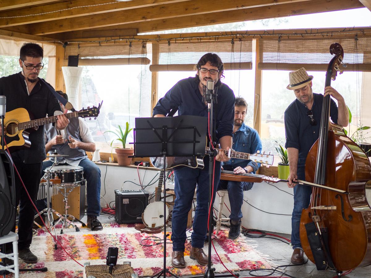 Boda con música en directo Cuestabajo Folk