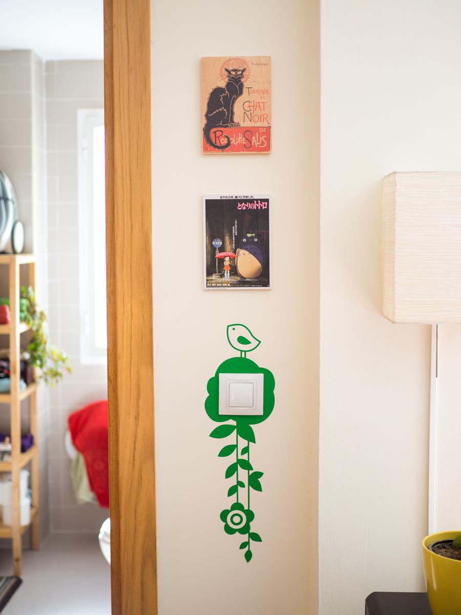 Cuadros Posterlounge decorando la pared