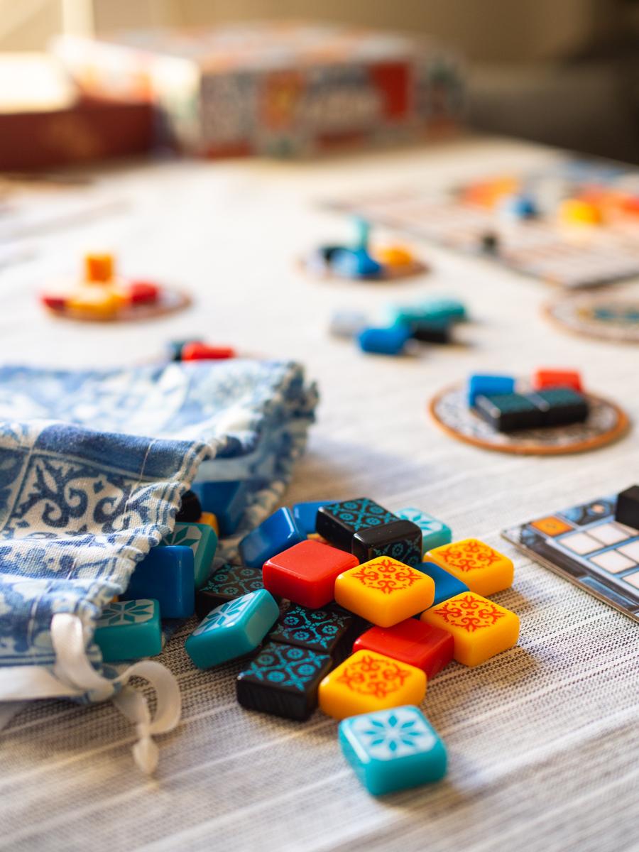 Mesa con el juego Azul