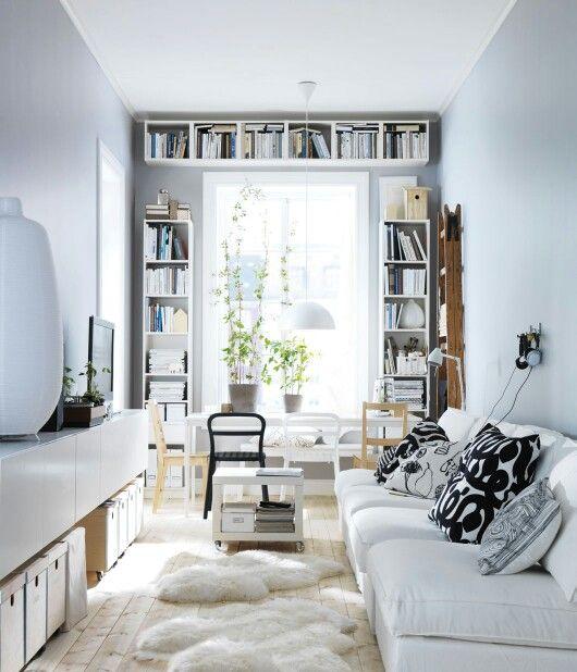 Salón pequeño con luz natural