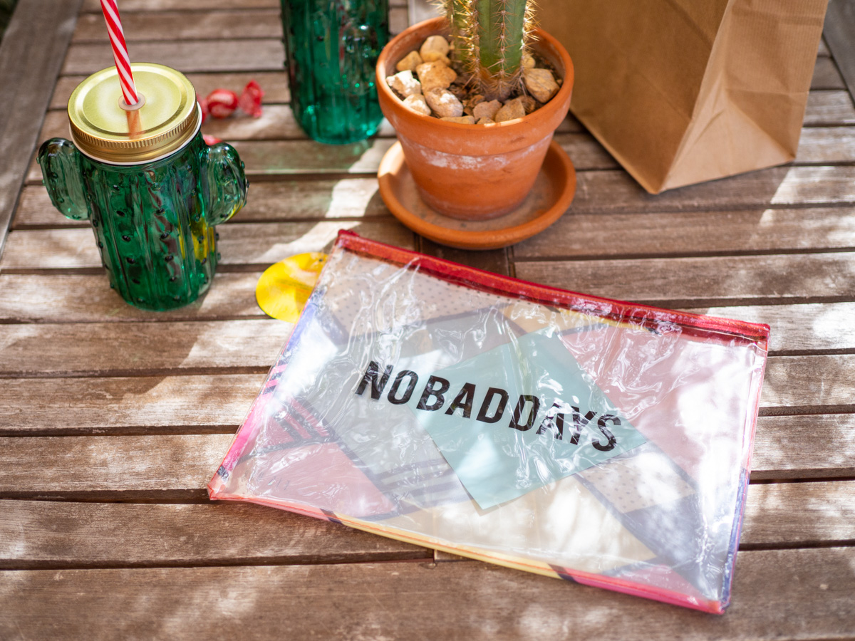 Bolsa transparente No Bad Days