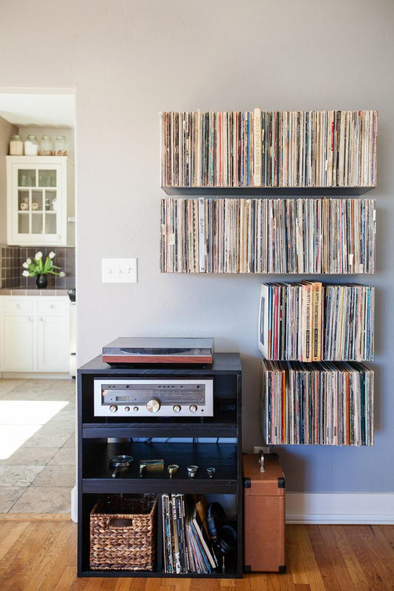 Estanterías invisibles para guardar discos de vinilo