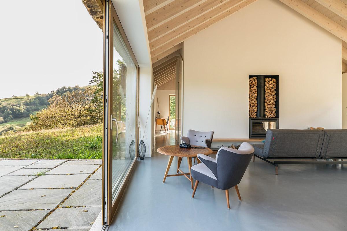Salón abierto minimalista en Cantabria