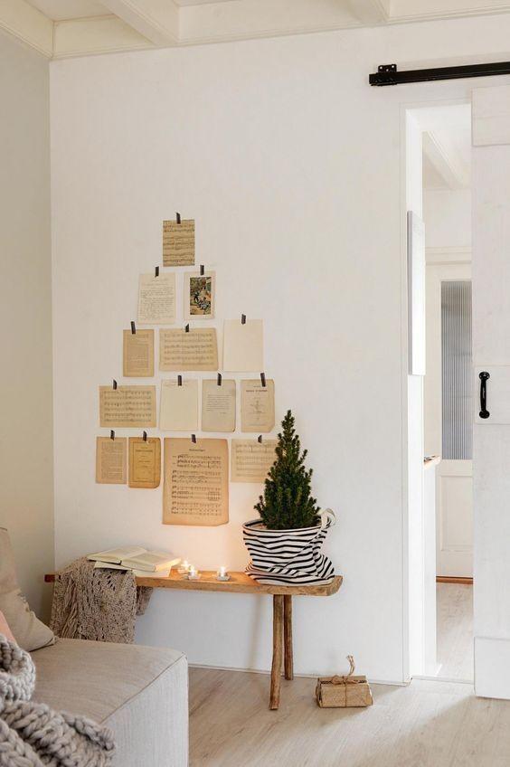 Árbol de Navidad con papeles