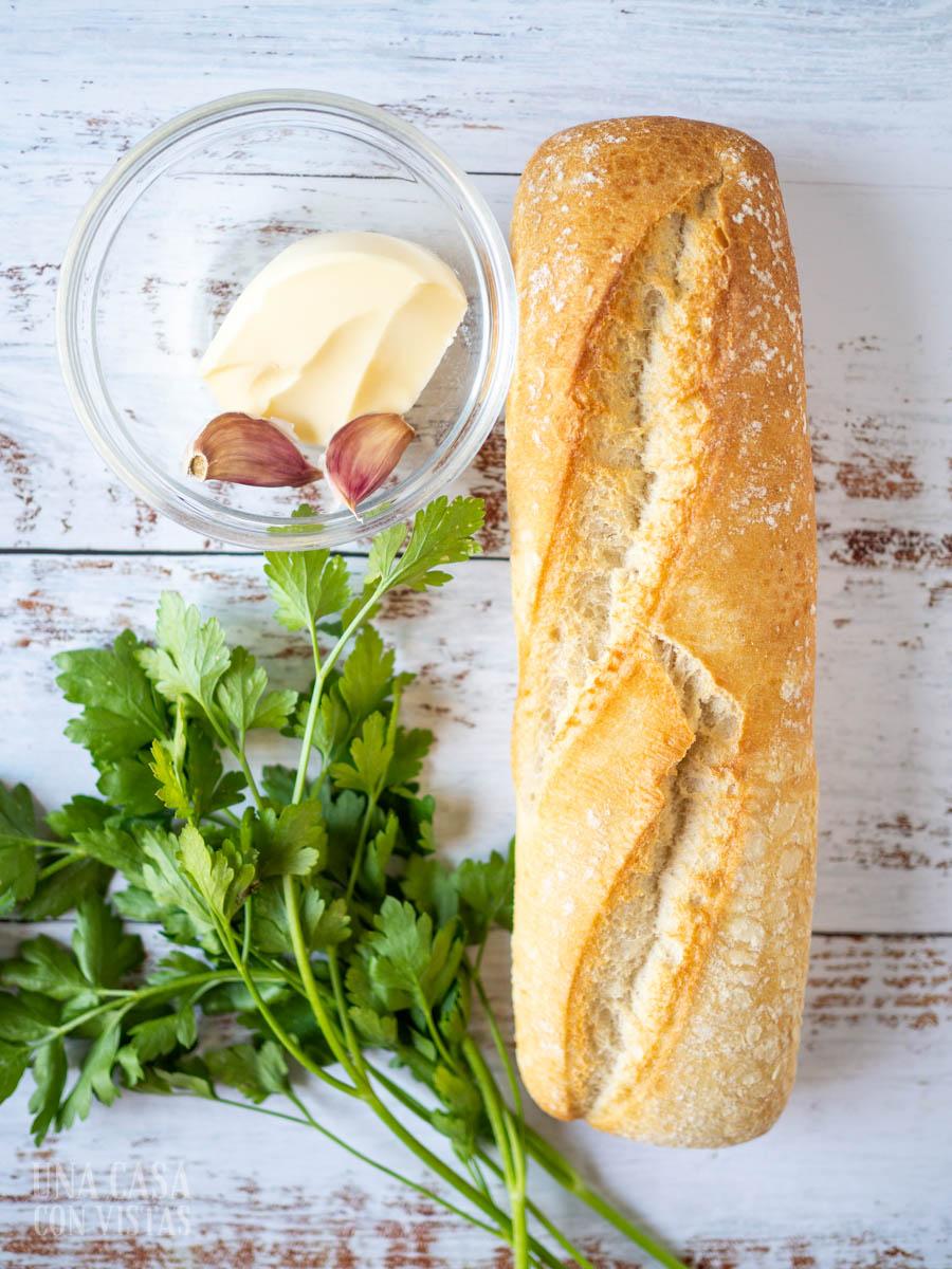 Ingredientes para hacer pan de ajo