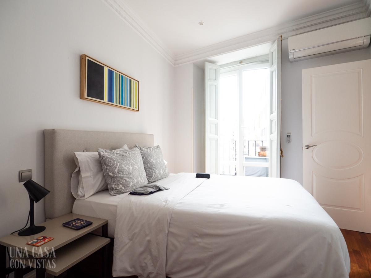 Dormitorio apartamento Airbnb en Madrid