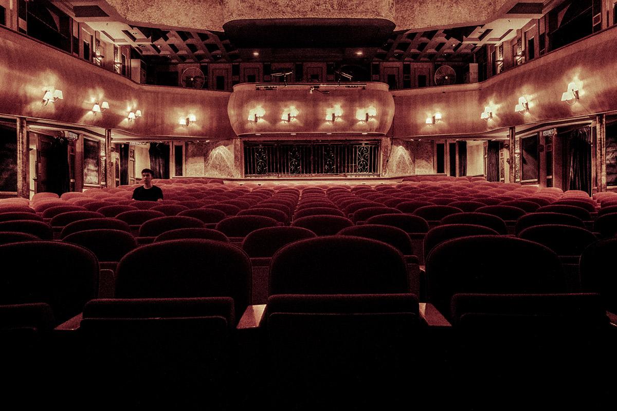 Ir al teatro en pareja